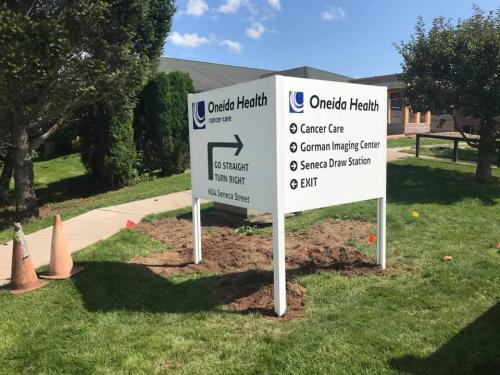 ONEIDA HEALTH CANCER CARE L SHAPED POST & PANEL